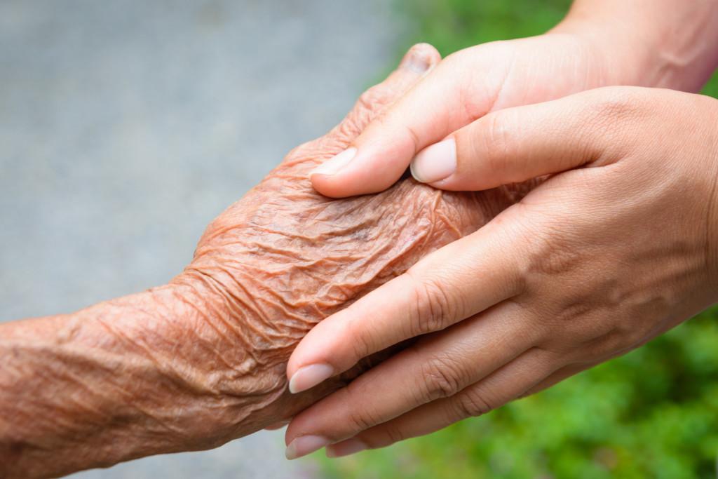 Accompagnement de fin de vie – cycle 2 – corps à corps du soin : toucher